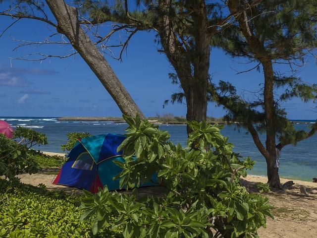 Camper sur une plage à La Réunion